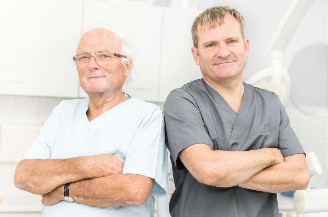 Praxisgründer Dr. Manfred Wendt und Zahnarzt Matthias Wendt