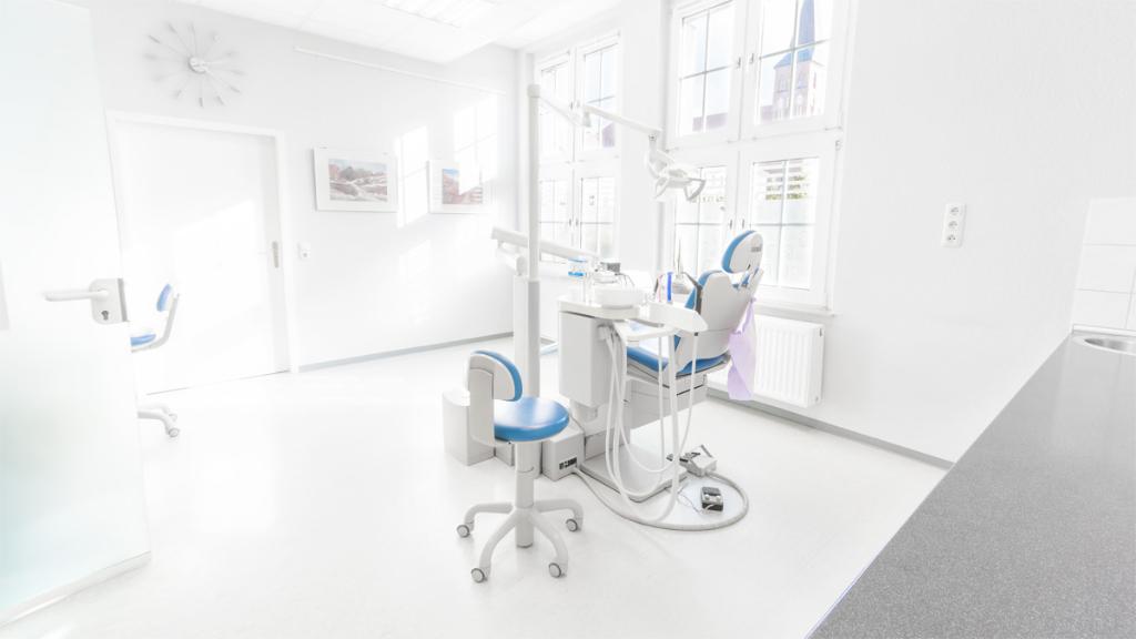 Behandlungsraum 1 - Zahnarzt Matthias Wendt